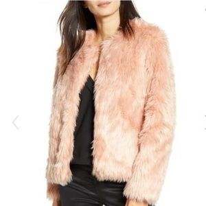 Chelsea 28 faux fur pink coat